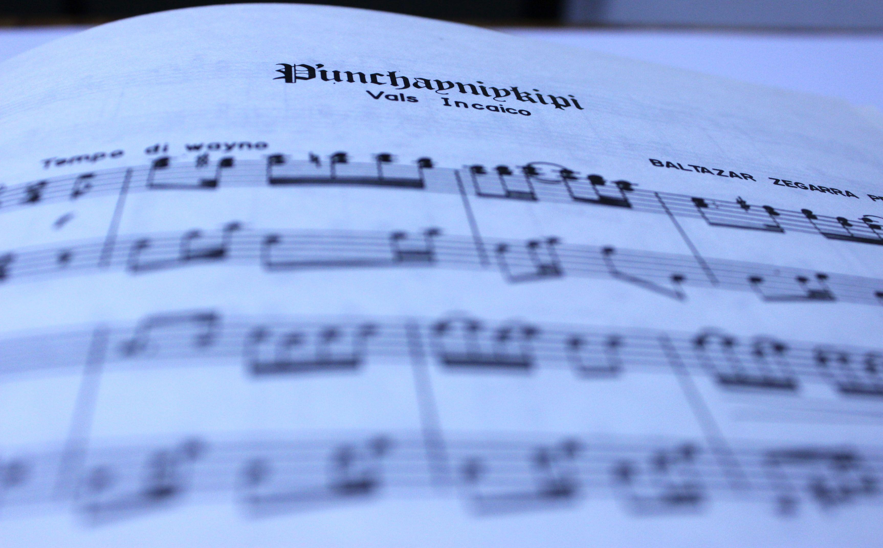 """P'unchayniykipi es, probablemente la obra que más se interpreta y se escucha de Baltazar Zegarra ya que su temática es de celebrar el natalicio. Comienza con un wayno a manera de introducción (esta introducción cerrará la obra, un rasgo propio de la música Cusqueña), a este le sigue un vals, """"vals característico"""" (forma que el mismo autor creó) y una variedad de bellos motivos musicales.  Fuente:http://sonoletras.blogspot.com/2012/03/los-cuatro-grandes-de-la-musica.html"""