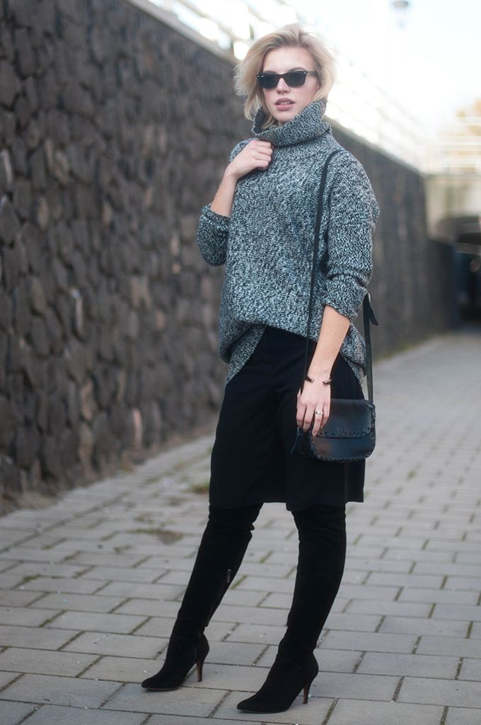12f011b6bb5 RED REIDING HOOD  Fashion blogger wearing forever 21 culottes street style  oversized turtleneck sweater Lindex outfit over the knee boots duo boots  vespa