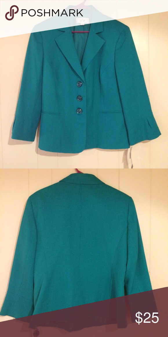 Nwt Green Le Suit Women S Blazer 14 3 On Closure Career Color Is Emerald Jackets Coats Blazers