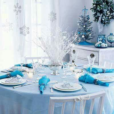 Blue And White Christmas Dinner Table Centerpiece Christmas Table Centerpieces Christmas Table Decorations Christmas Table Settings
