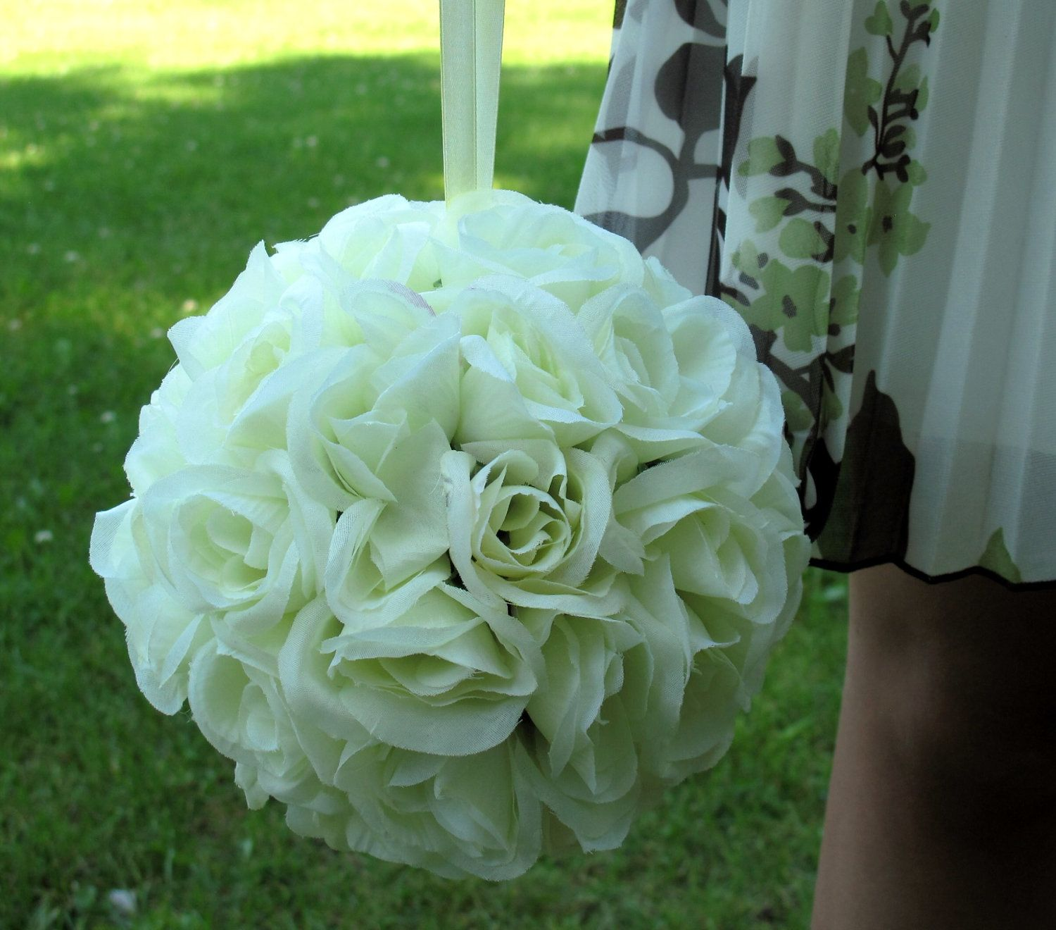 Pomander Ivory Rose Flower Girl Kissing Ball Bridesmaid Bouquet