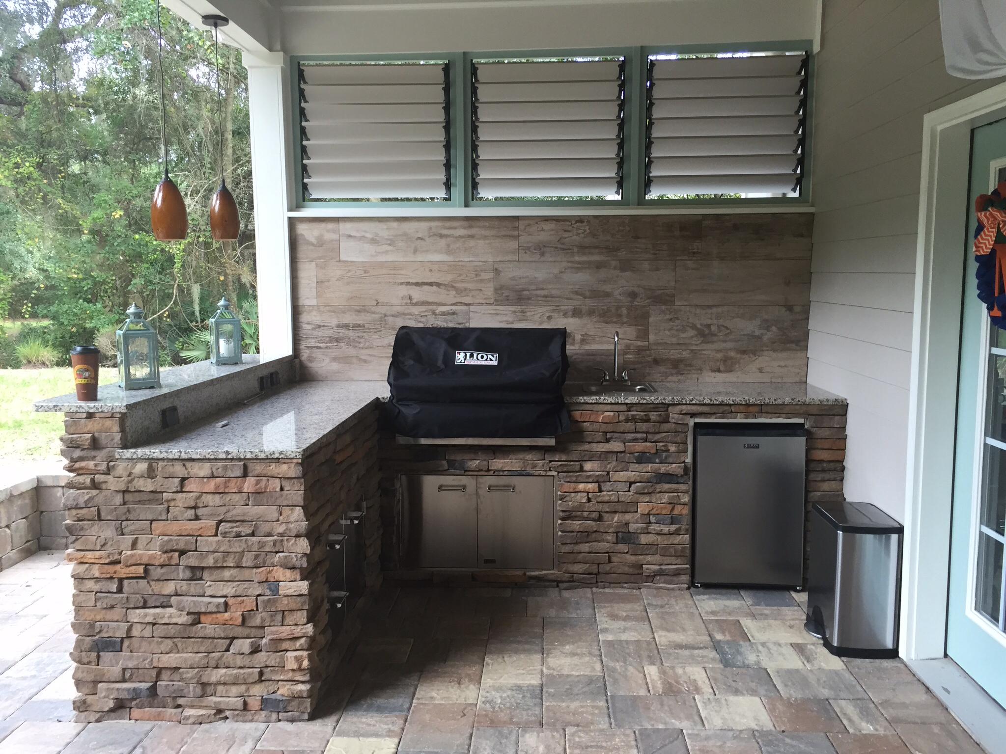louvered garden privacy wall | creative backyard fence ideas