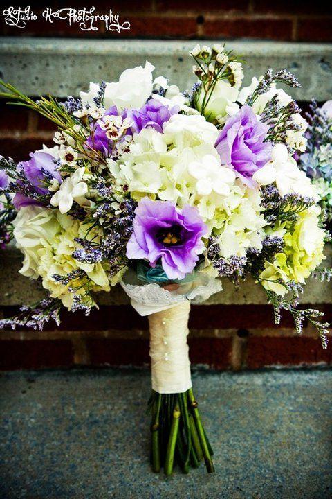 Fresh hydrangea, lisianthus, waxflower, caspia,...flowersbytammy.com