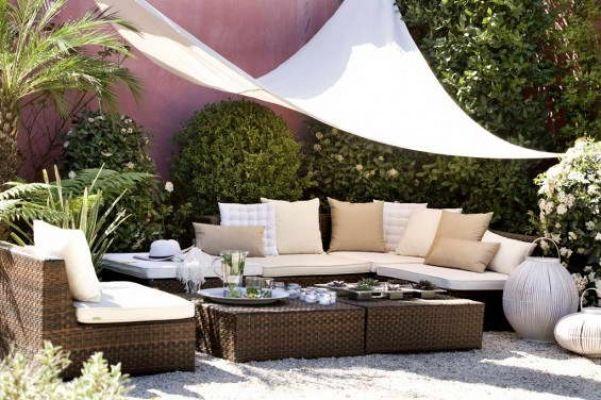 Garten Privatsphare Sonnensegel Rattan Mobel Hecken Back Yard