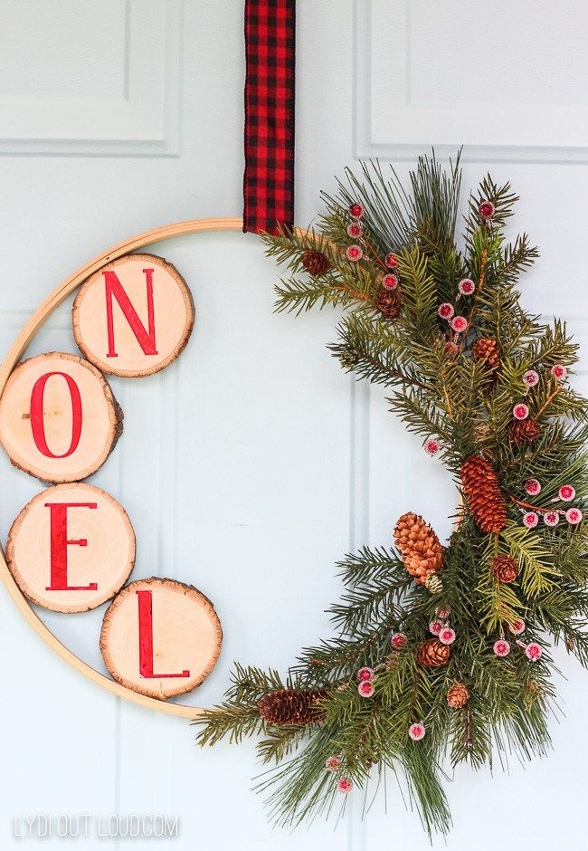 Simple Christmas Wreaths - Easy Holiday Ideas