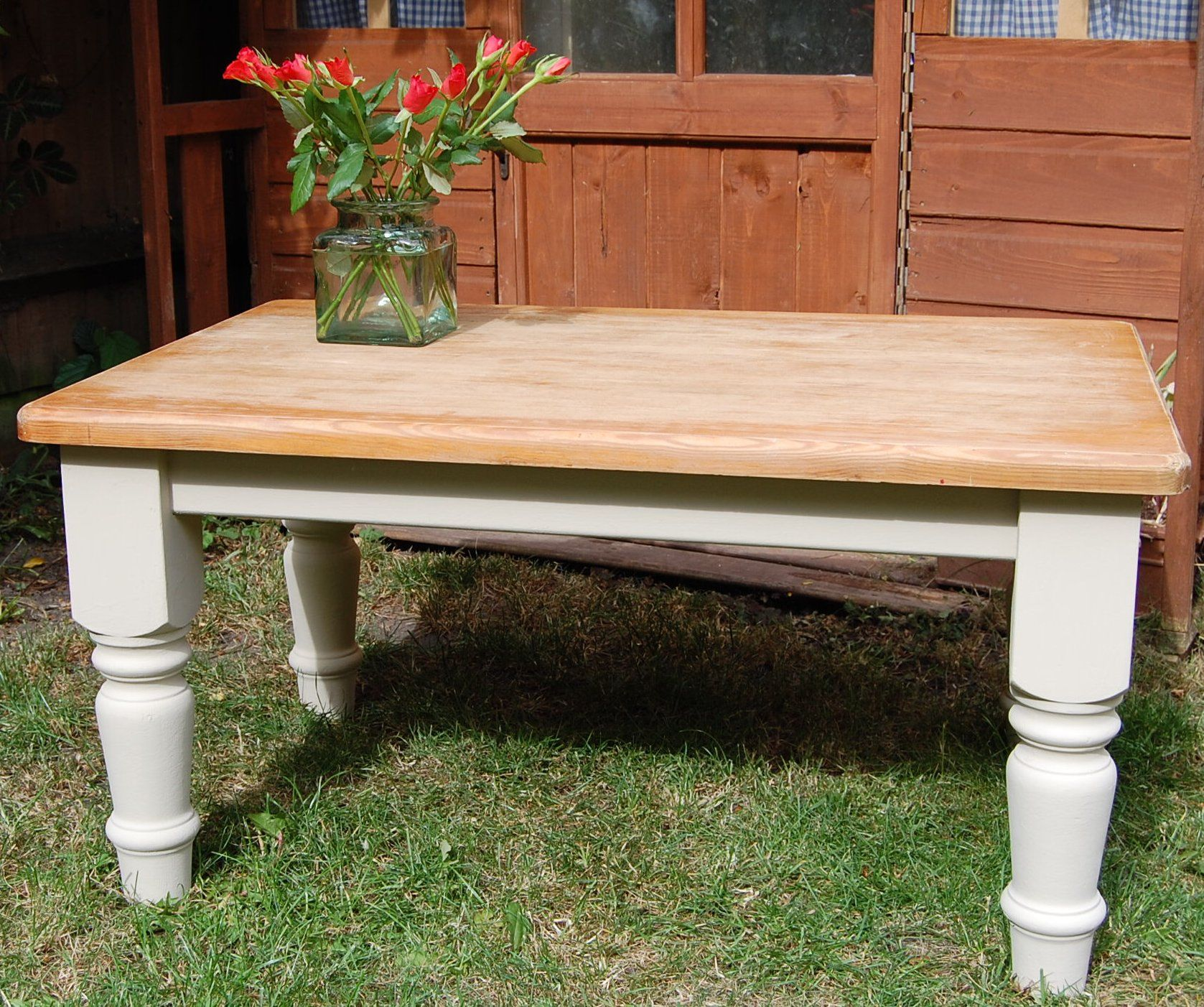 Pin by Lindsay Pearce on Crafty ideas   Pine coffee table ...