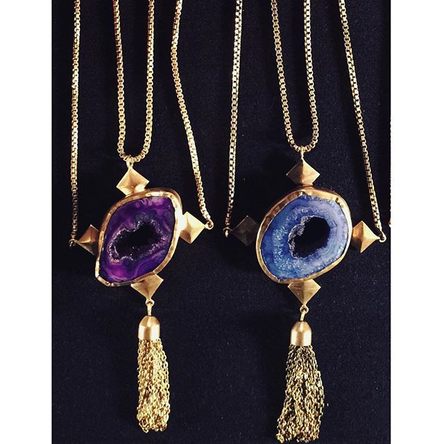 ADORN  Our one of a kind Alexia neck pieces.  ALEXIA NECKLACE Agate geode stone in a brass setting on a layered brass box chain. www.katehewko.com  #katehewko #agate #brass @katehewko