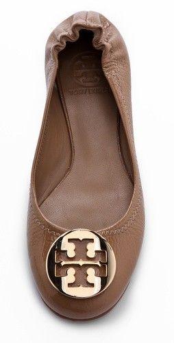 Tory Burch, tan flats   Jennifer Jennifer    Pinterest   Les chaussures ... dc80c4