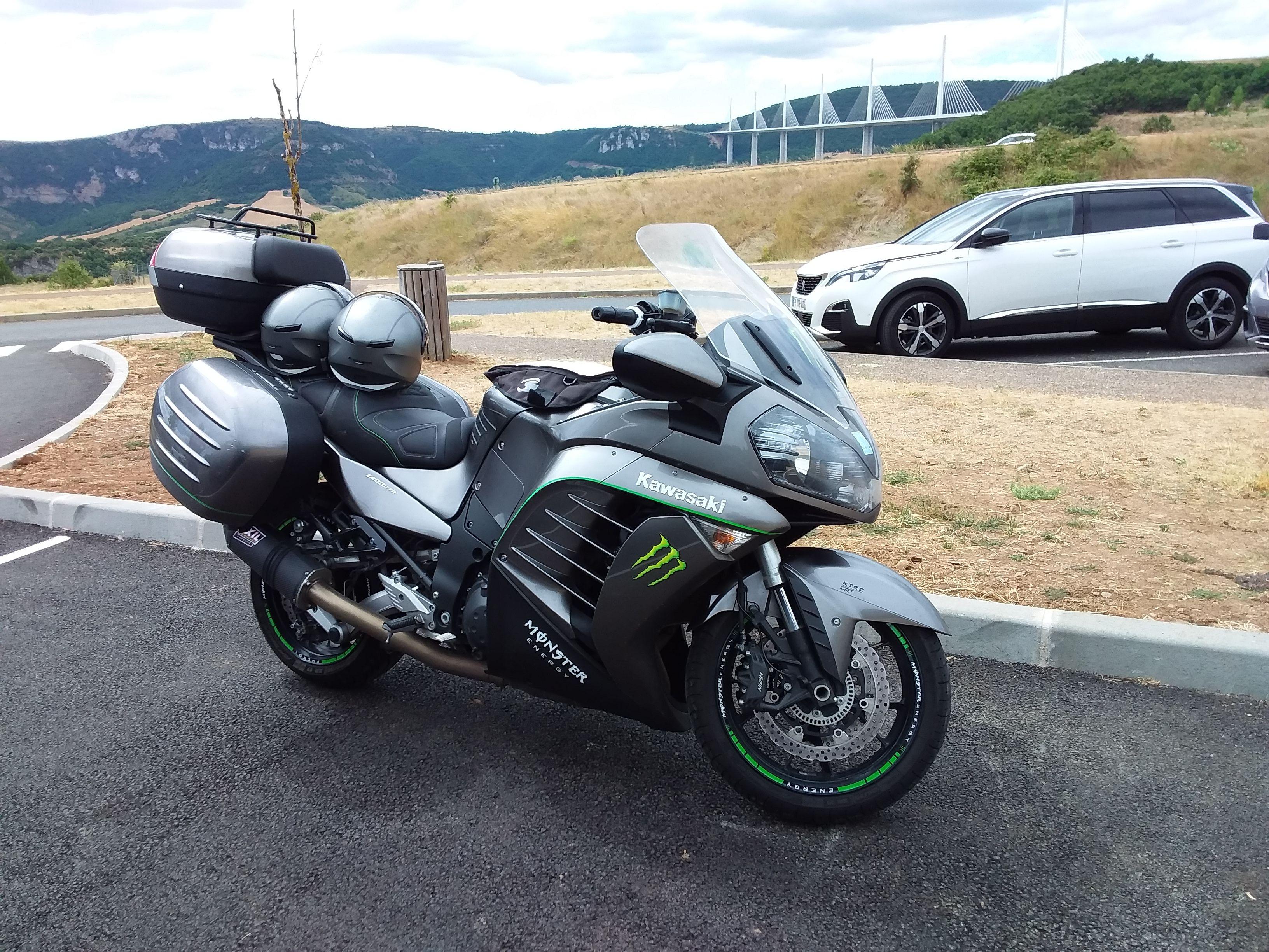 Kawasaki 1400 Gtr De 2014 Kawasaki Motorcycle Vehicles