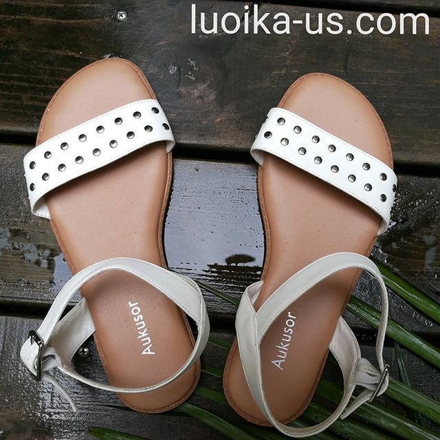 7a1f839b5df Aukusor Women s Wide Width Flat Sandals - Comfortable Open Toe Ankle Strap  Flexible Casual Summer Shoes Faux leather upper