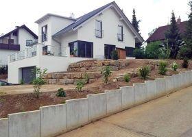 trockenmauer und l-steine am hang | garten | pinterest | steine ... - Gartengestaltung Terrasse Hang