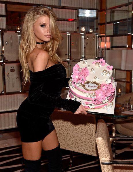 Charlotte McKinney Photostream   Fashion, Mini velvet dress ...