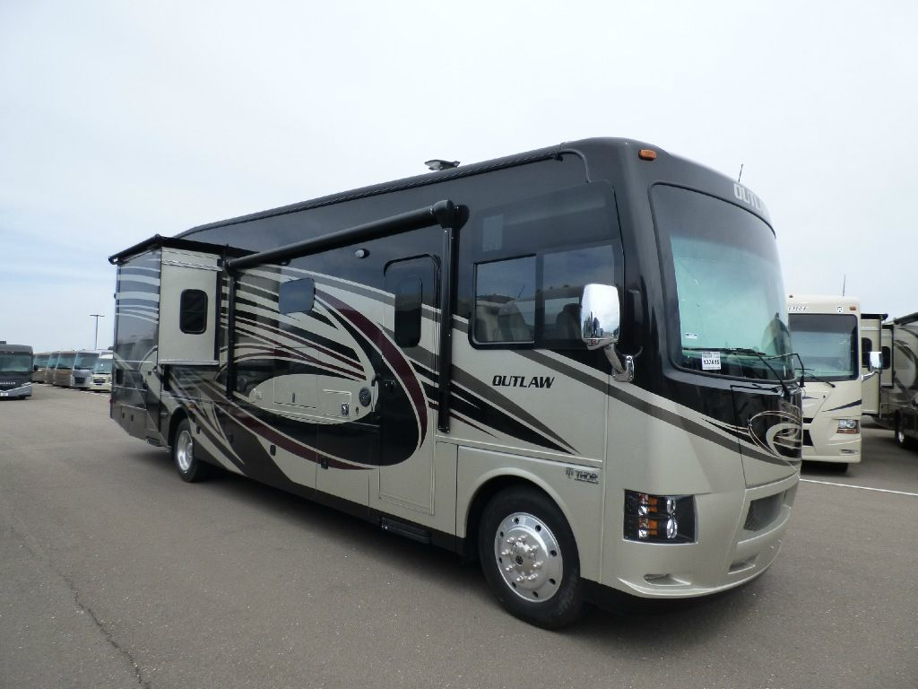 New 2017 thor motor coach outlaw 37rb motor home class a toy hauler at general