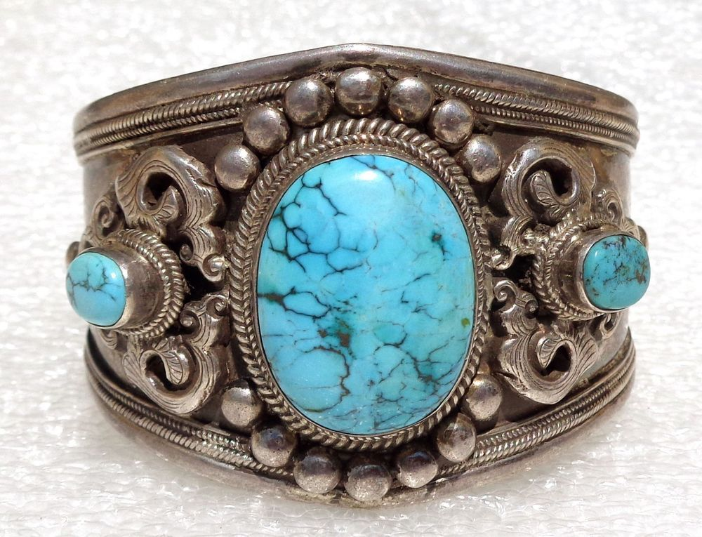 Tibetan or Nepalese fine silver and turquoise bracelet