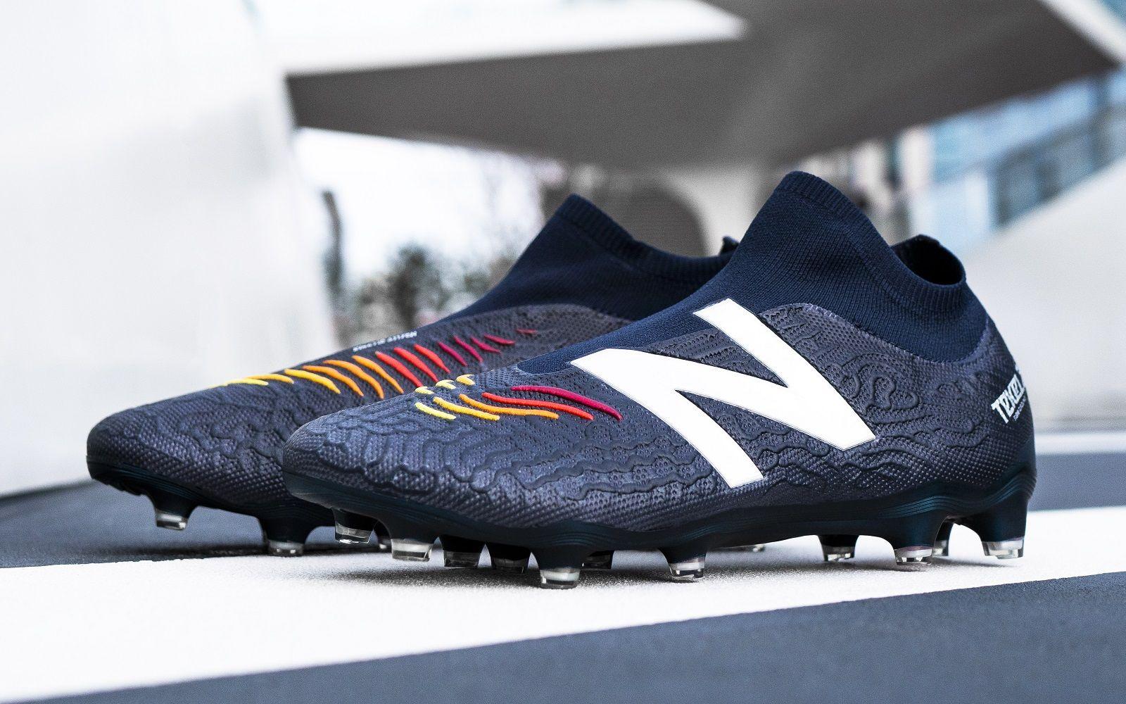 new balance astro boots