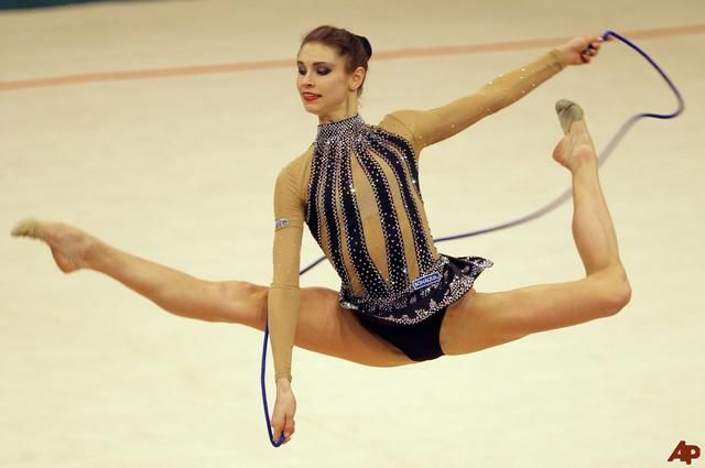 Google Image Result for http://desnnochiri.files.wordpress.com/2012/06/ukraine-rhythmic-gymnastics-2009-4-11-14-21-24.jpg