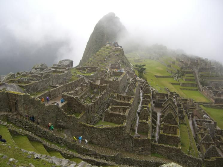 It's believed that no wheels were used to carry rocks up the mountain in Machu Picchu. Click through to learn 9 other fun facts about Machu Picchu. #travel
