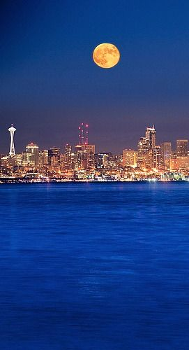 Moon Over Seattle Beautiful Nature Beautiful Places Scenic