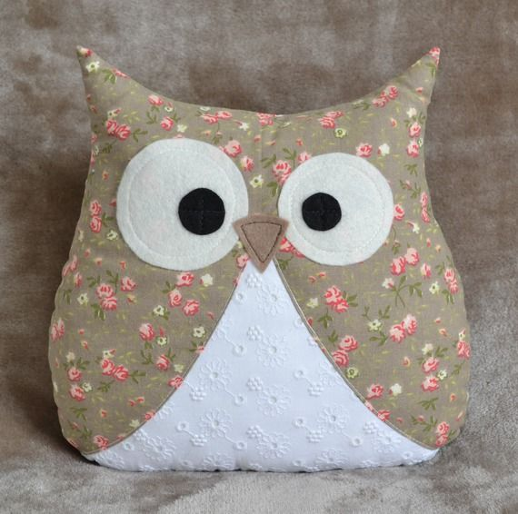 coussin hibou en coton taupe et blanc fils compagnie pinterest taupe coton et chouette. Black Bedroom Furniture Sets. Home Design Ideas