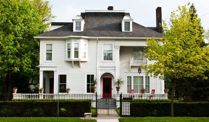Chesny S Keswick Manor 180 Center Avenue Bay City Mi 48708
