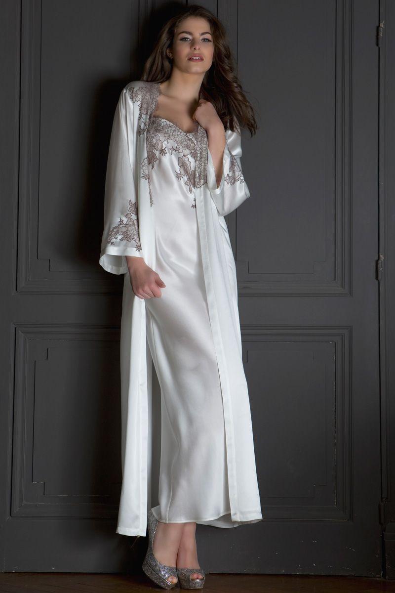 95ceb10aff86c Chemise de nuit longue en soie par Marjolaine, collection Craquante  #lingerie #mode #fashion #Marjolaine