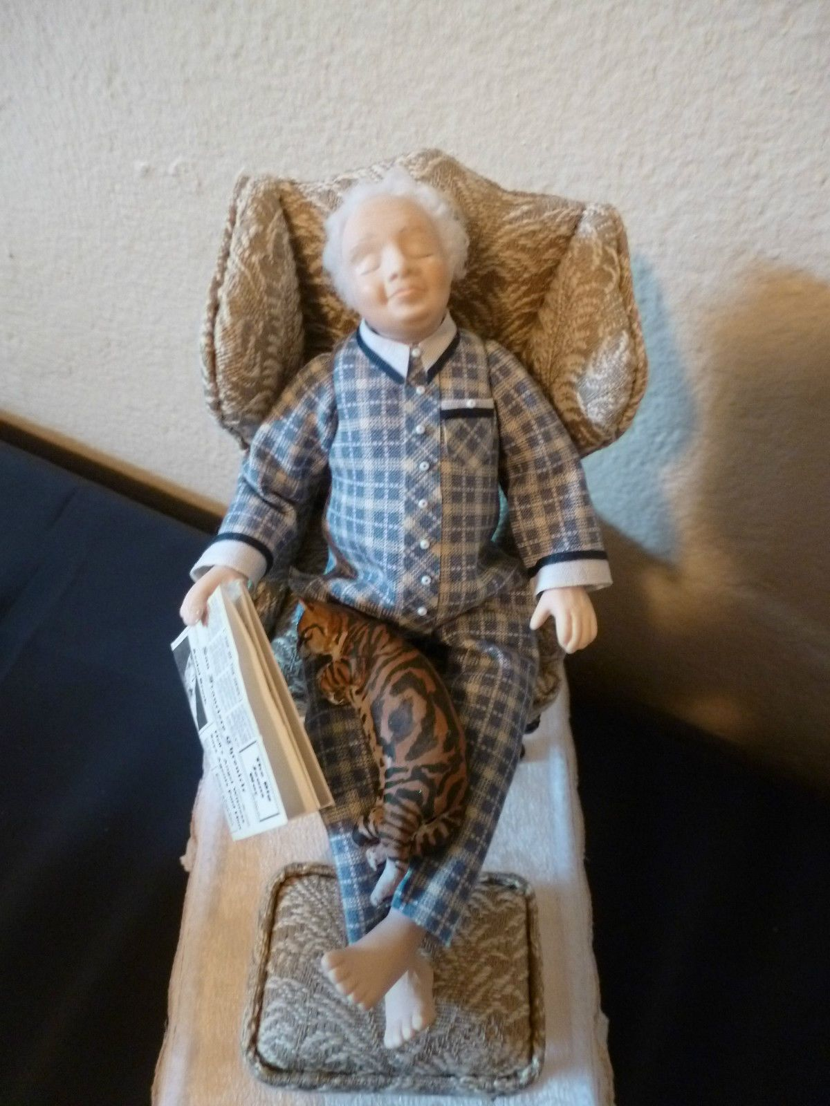 MINIATURE SLEEPING MAN DOLL RECLINING IN A CHAIR WITH CAT ON LAP AND FEET UP 1:12 SCALE