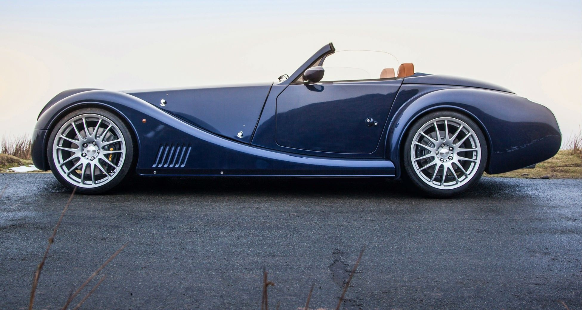 morgan aero 8 update revealed in geneva coming to. Black Bedroom Furniture Sets. Home Design Ideas