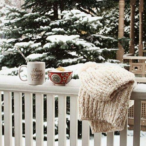 Cozy Winter Homedecor: Winter , Snow, And Christmas Image