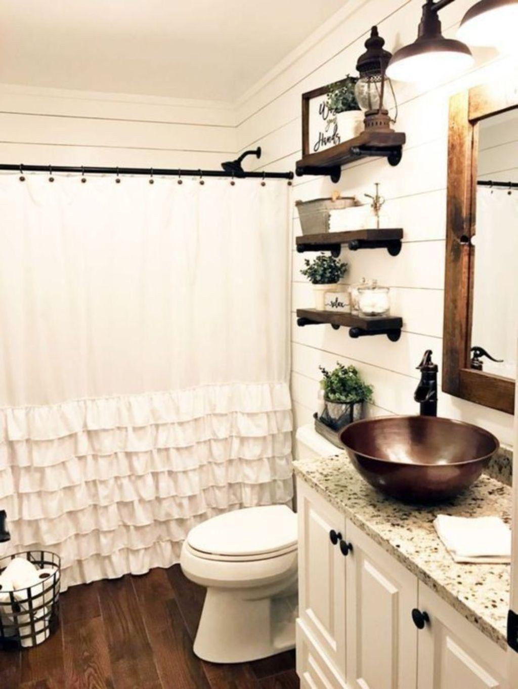 41 Stunning Rustic Farmhouse Bathroom Design Ideas Farmhouse Bathroom Decor Small Farmhouse Bathroom Small Bathroom Remodel