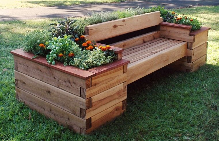 Banc De Jardin En Palettes Un Choix Respectueux De L Environnement Palette Jardin Jardiniere Palette Potager Sureleve