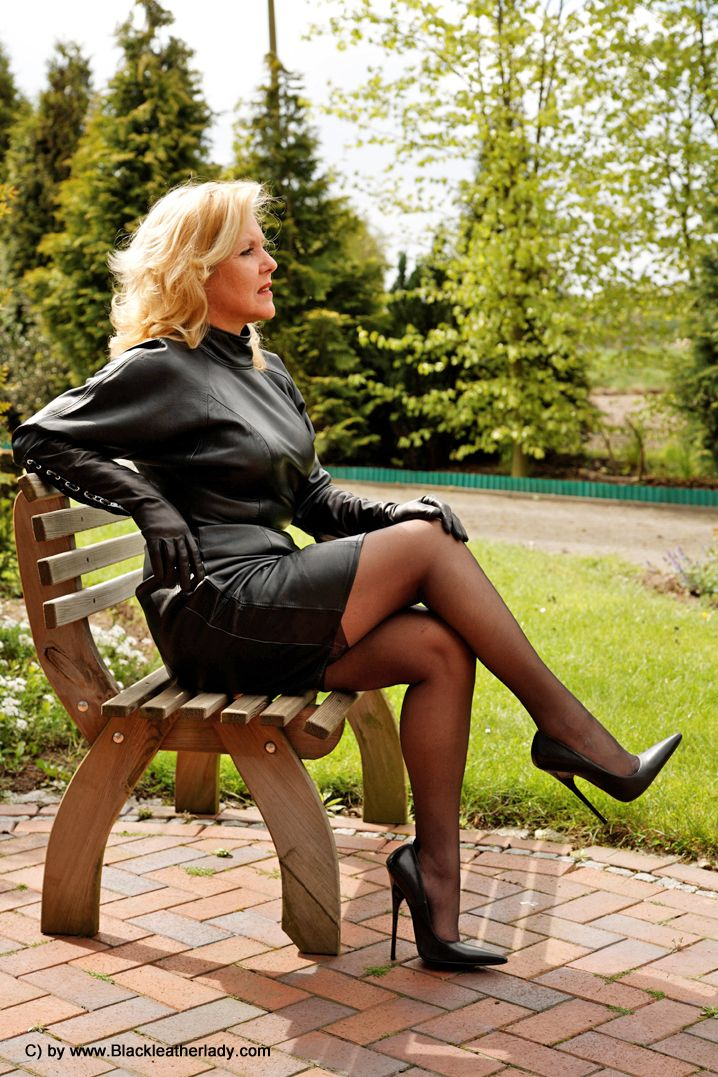 Pin On Women In Leather-5314