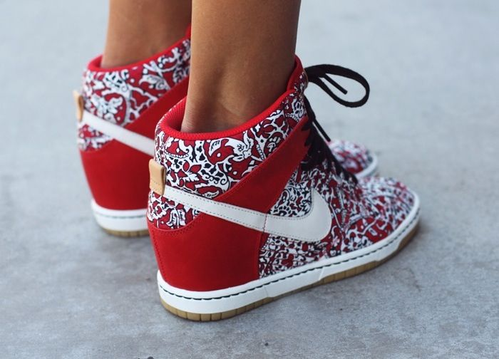 purchase cheap 6cd04 2da92 Nike Dunk Sky High Liberty. Wedge for girls so cute!!!