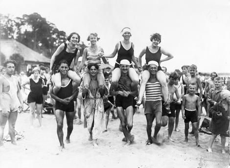 Berlin Wannsee, Lido Wannsee. – Bathers – Photo, 1925.