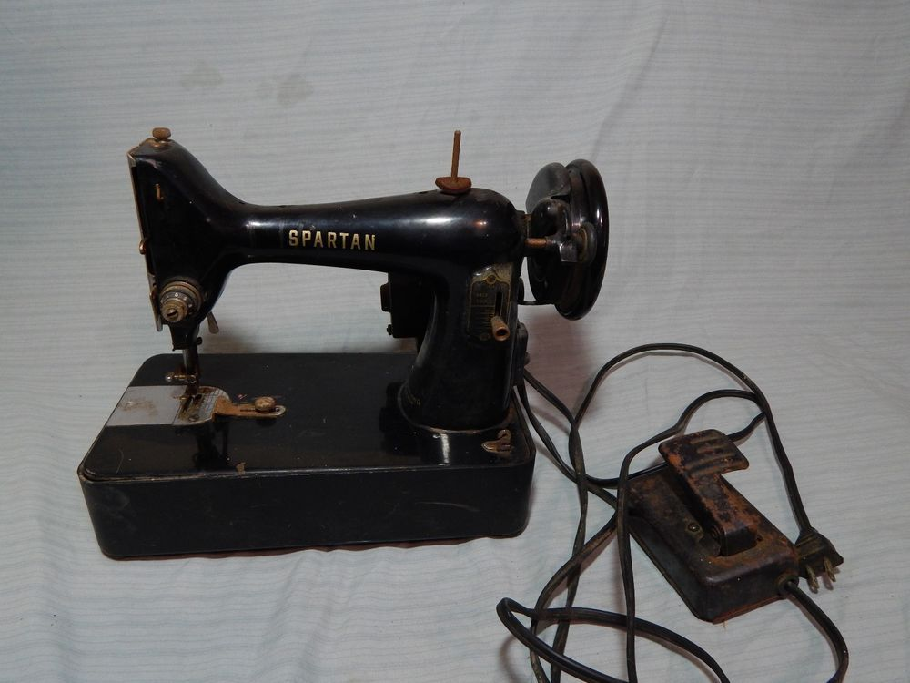 Vintage Singer Spartan Sewing Machine 40K Great Britain Cool Awesome 1960 Singer Spartan Sewing Machine Model 192k