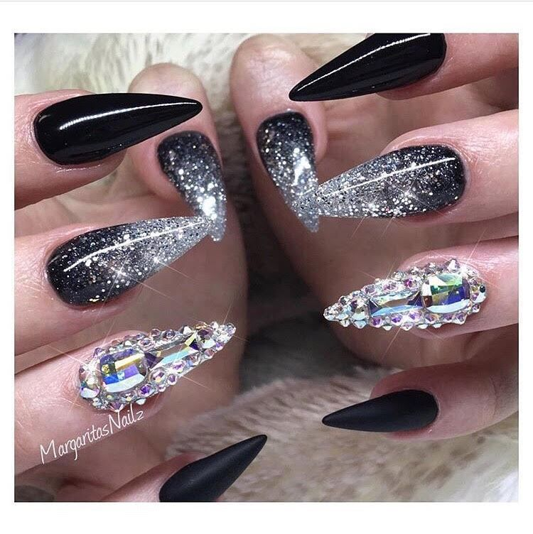 Repost Margaritasnailz Black Nails With Glitter Black Stiletto Nails Black Nail Designs