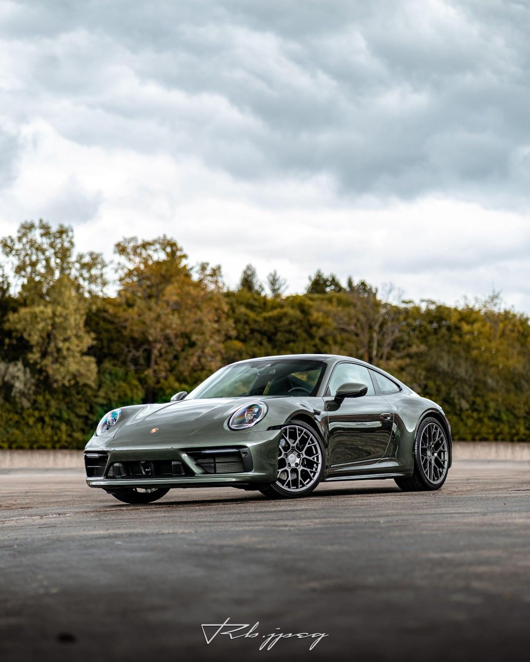 Beautiful Aventurine Green Metallic 992 Carrera S Porsche Cars Porsche Mercedes Wallpaper