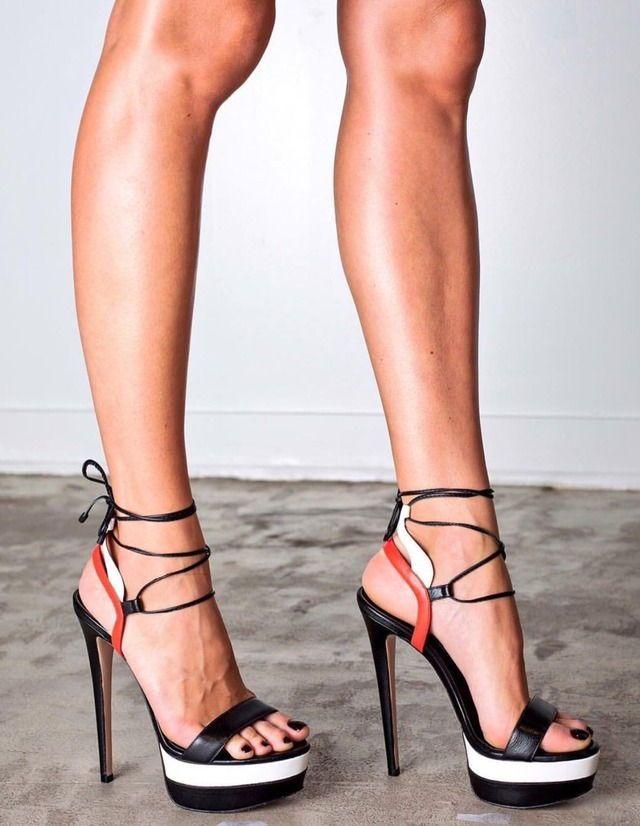 Порно порно видео длинные ноги в туфлях на высоких каблуках брук фото порно