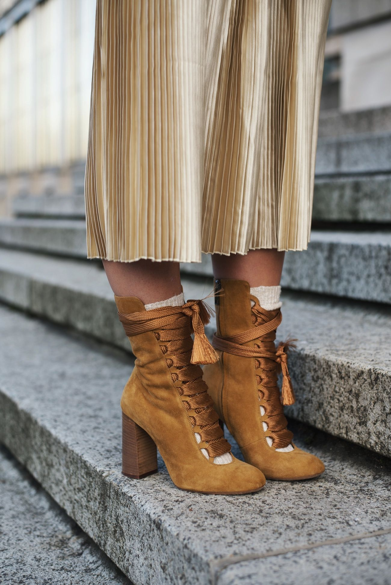 Outfit: Winter Layering w/ Golden Pleated Skirt, Tommy Hilfiger ...