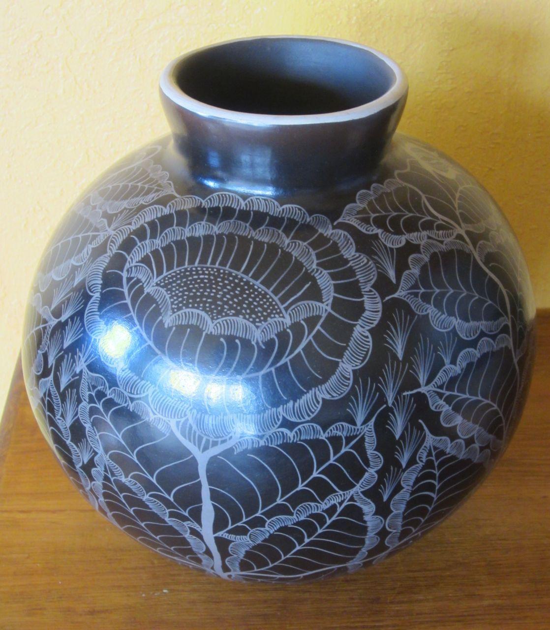 ✢ STYLE ✢ Viva México   Burnish pot from Huancito   Mexico By Heart