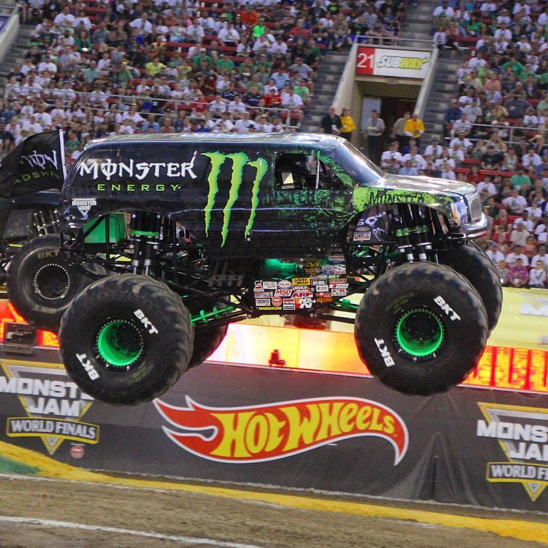 monster energy monster jam truck monster trucks pinterest voitures les voitures et monsieur. Black Bedroom Furniture Sets. Home Design Ideas