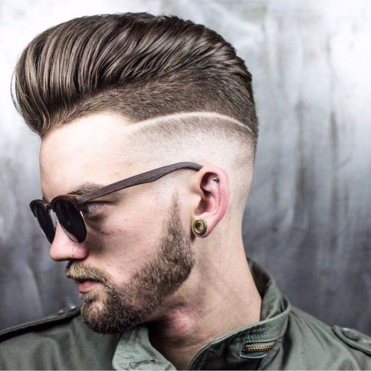 Interessante Variante Von Mannerfrisur Mit Ubergang Und Undercut Lange Haare Manner Hinterschnittene Manner Styling Kurzes Haar