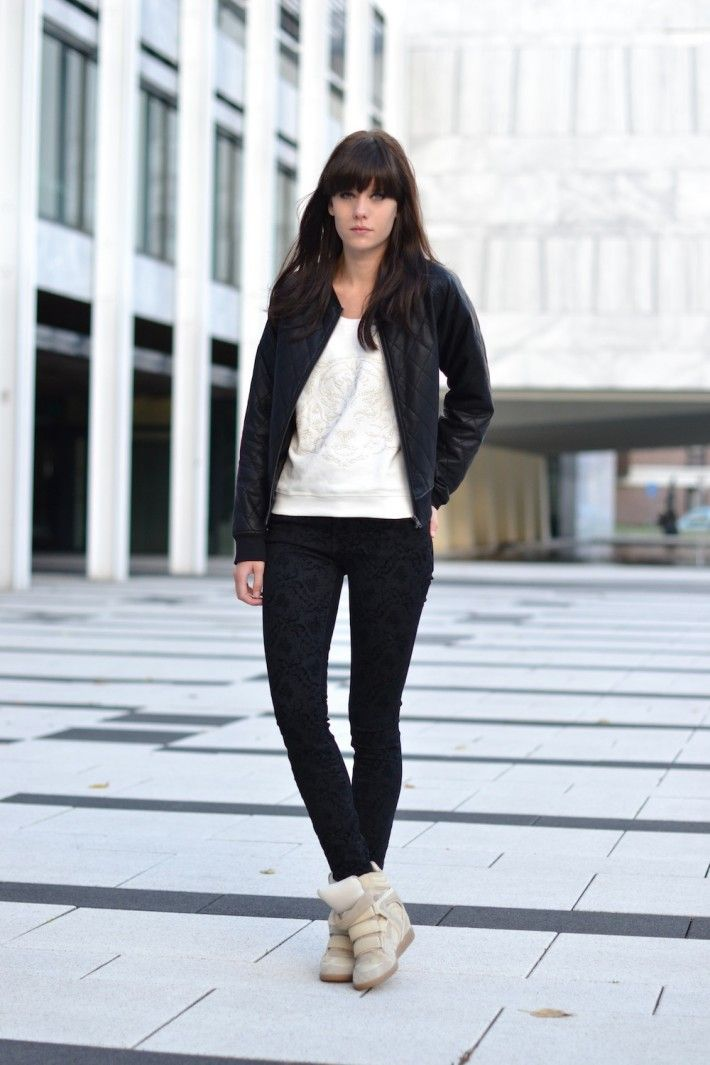 Wedge sneakers outfit