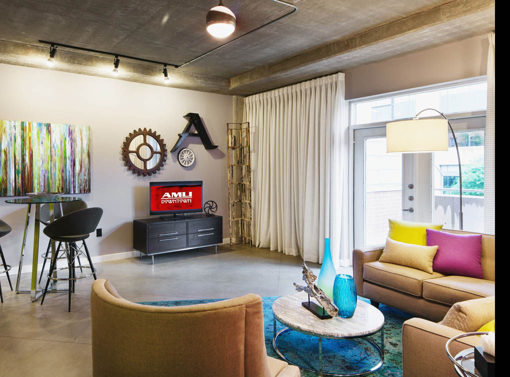 AMLI Downtown Offers Street District Luxury Apartments In Downtown Austin.  Call Today For A Tour Of Your New Downtown Austin Apartment Home!