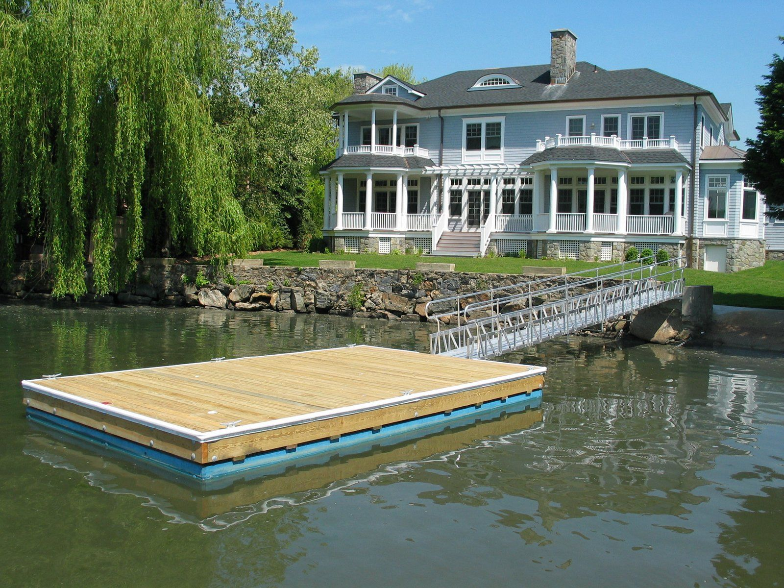 Aluminum gangway access for a floating dock lakefront