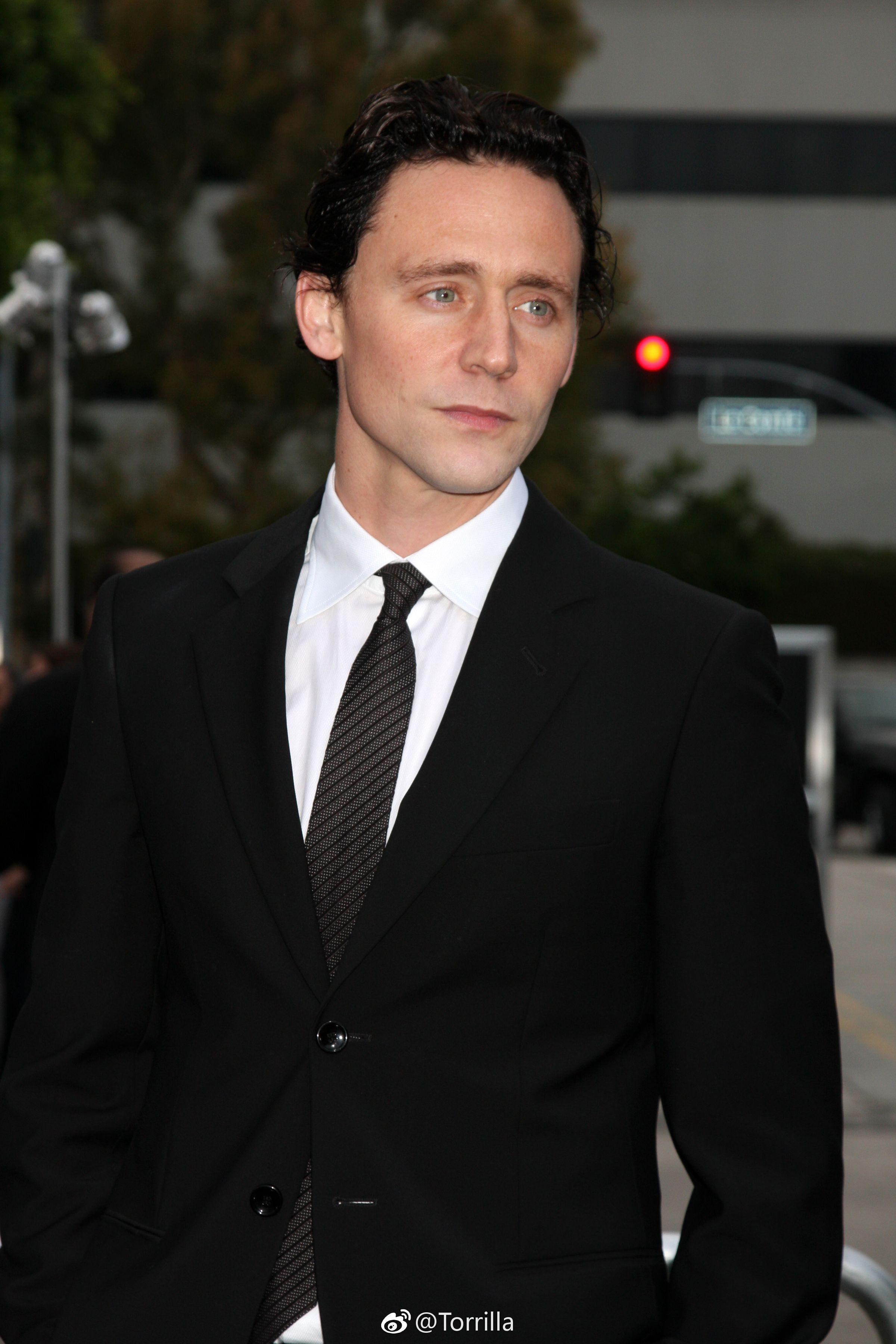 Tom Hiddleston Attends The Super 8 Los Angeles Premiere On June 8 2011 Hot British Men Actors Tom Hiddleston