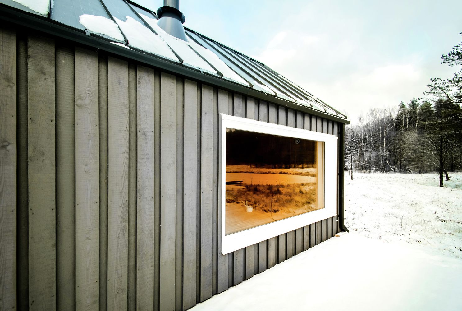 Gallery Of Lithuanian Hunting House Devyni Architektai 16 House In The Woods House And Home Magazine House