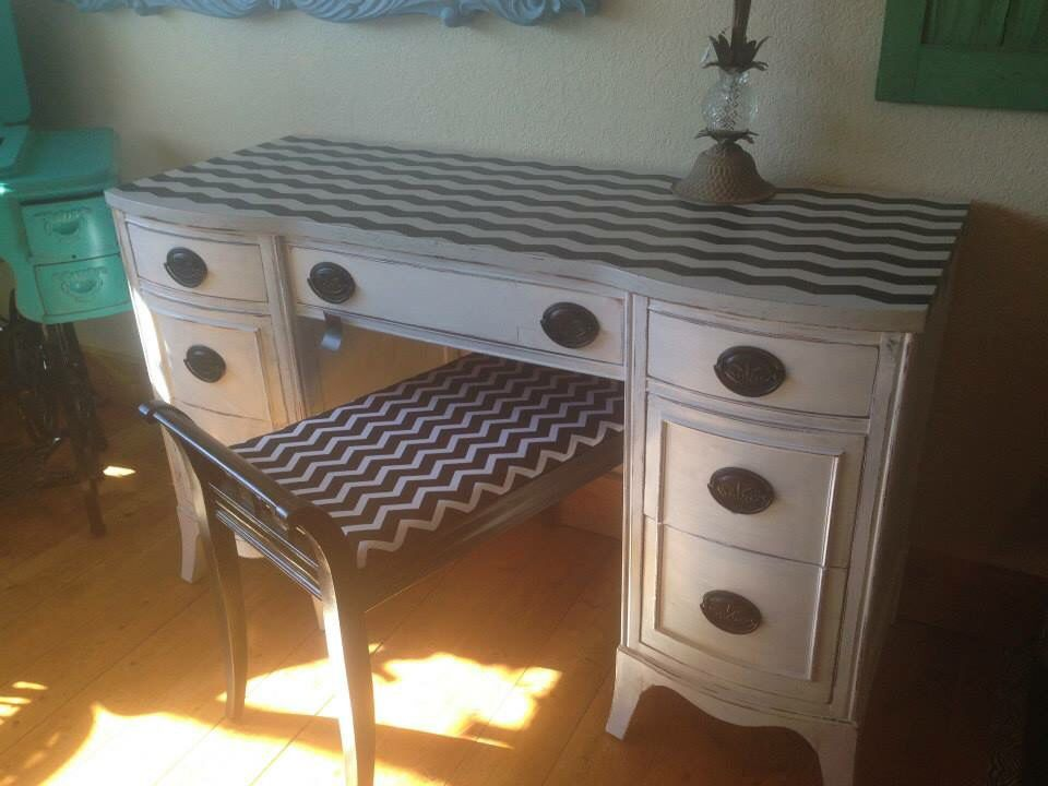 Fine Purchased At A Garage Sale Both Vanity Desk Paintd White Ibusinesslaw Wood Chair Design Ideas Ibusinesslaworg