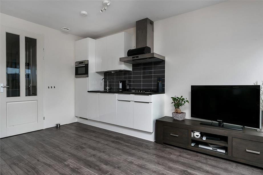 Kleine woonkamer met open keuken inrichten scandinavian deko kitchen diy - Keuken open voor woonkamer ...