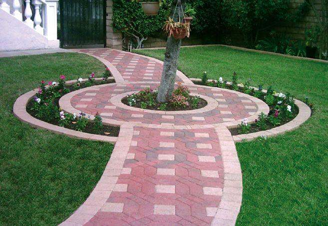 Interlocking concrete paver walkway design by Genesis.