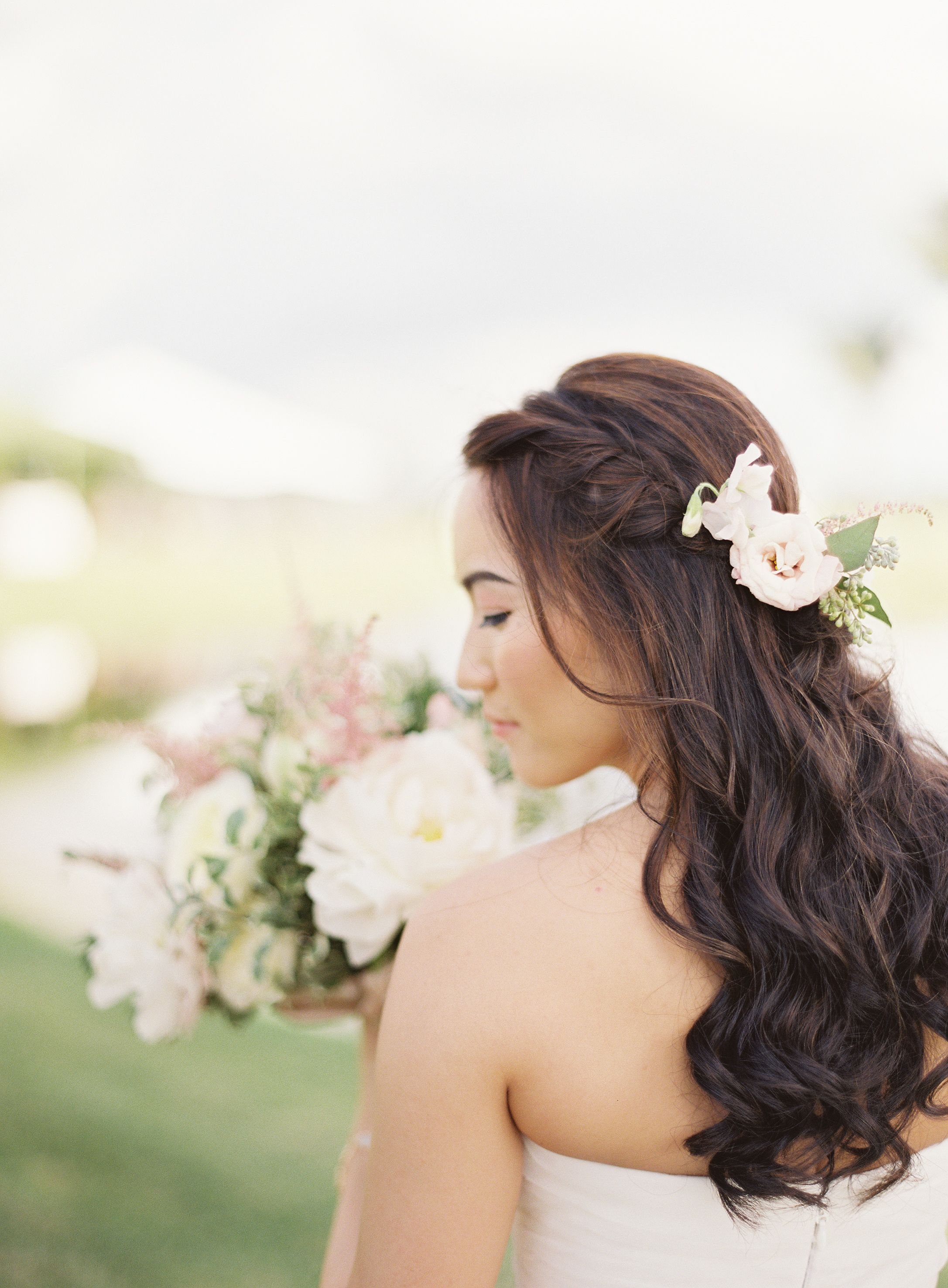 Curly Down Hairstyle with Blush Anemone and Eucalyptus | Wedding ...